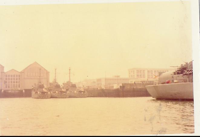 Dragueurs de mines Belges dans le port de cherbourg