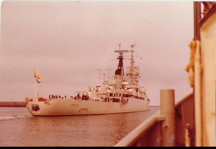 Remorquage du croiseur sovietique SVERDLOV
