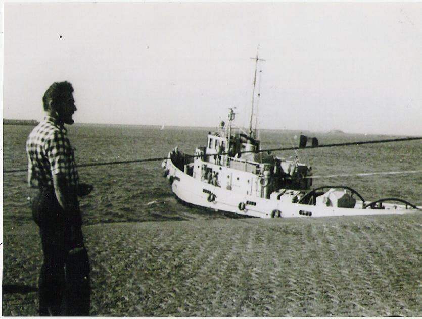Remorquage dans le port de Cherbourg