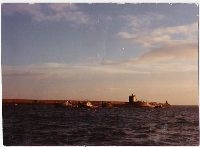 Remorquage du sous marin Gymnote à Cherbourg en 1974